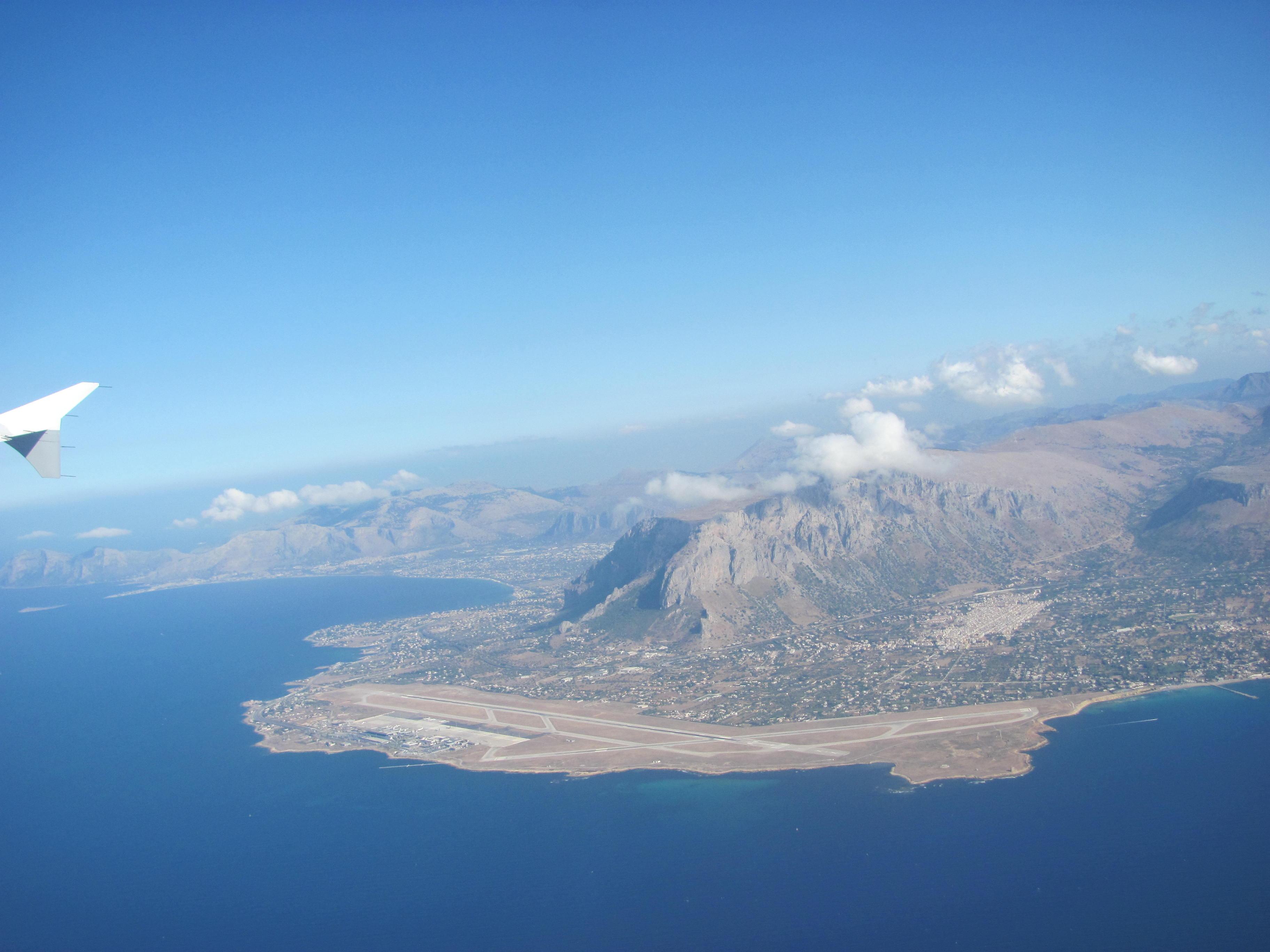 wycieczka objazdowa po Sycylii, Trapani z lotu ptaka, Trapani z samolotu, Sycylia, Trapani, Wycieczka objazdowa po Sycylii, Sycylia, Sicilia, Sizilien, wycieczka na Sycylię, wycieczka Sycylia, Sycylia wycieczka, Sycylia w tydzień, objazdówka po Sycylii, co zobaczyć na Sycylii, wyjazd na Sycylię