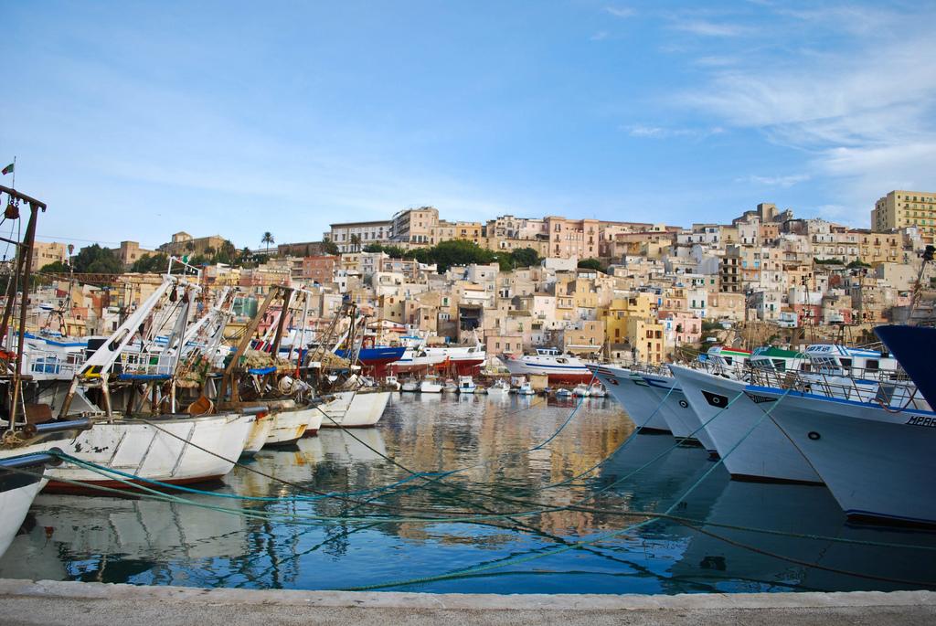 wycieczka objazdowa po Sycylii, Sciacca, Sicilia, Sycylia, Port w Sciacca, Wycieczka objazdowa po Sycylii, Sycylia, Sicilia, Sizilien, wycieczka na Sycylię, wycieczka Sycylia, Sycylia wycieczka, Sycylia w tydzień, objazdówka po Sycylii, co zobaczyć na Sycylii, wyjazd na Sycylię